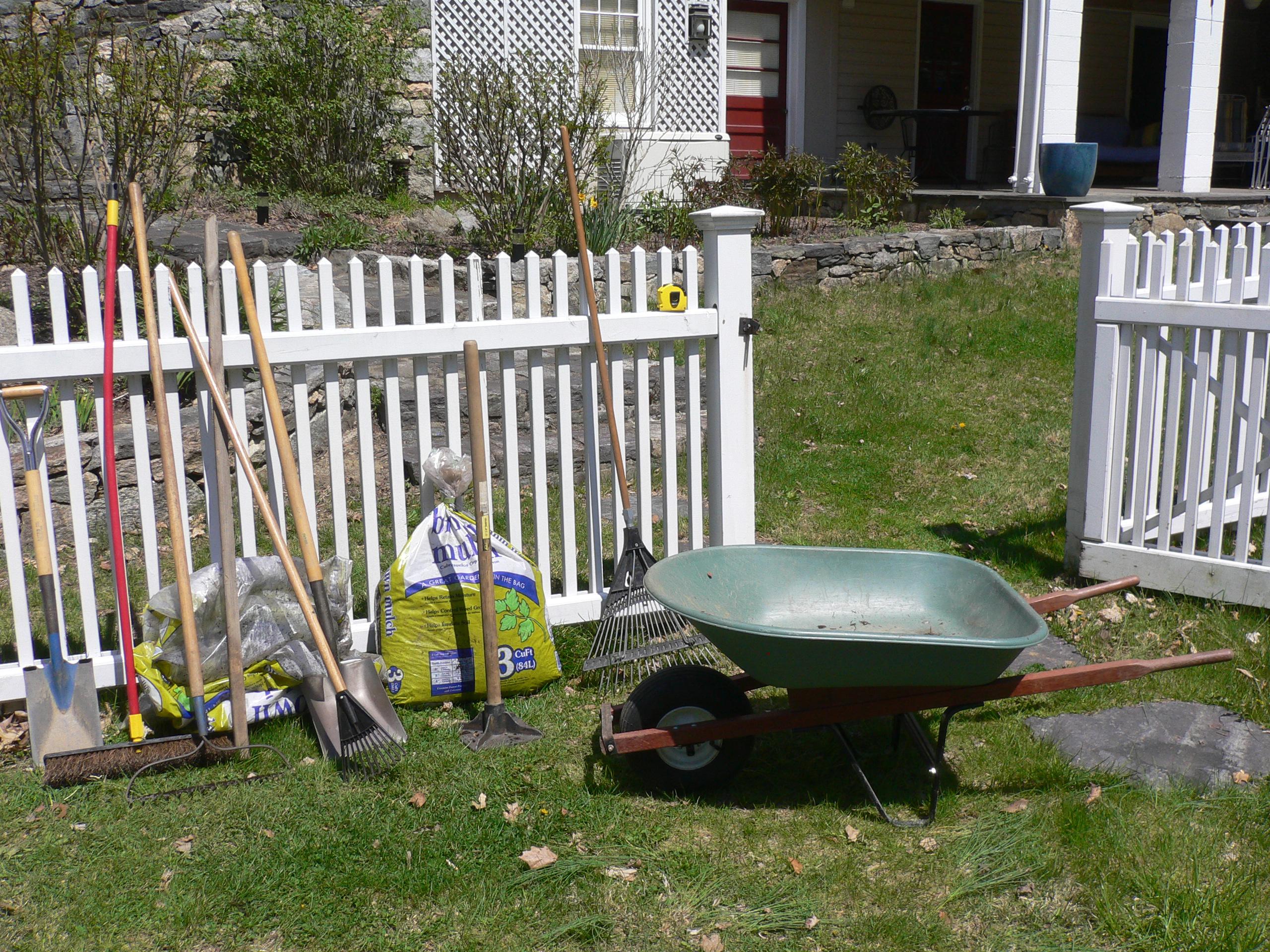 weed barrier garden engineer. Black Bedroom Furniture Sets. Home Design Ideas